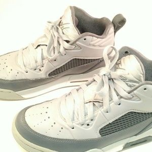 6279225f1957ec Jordan Shoes - NIKE Jordan Flight 654975 006 Size 5 Y GUC